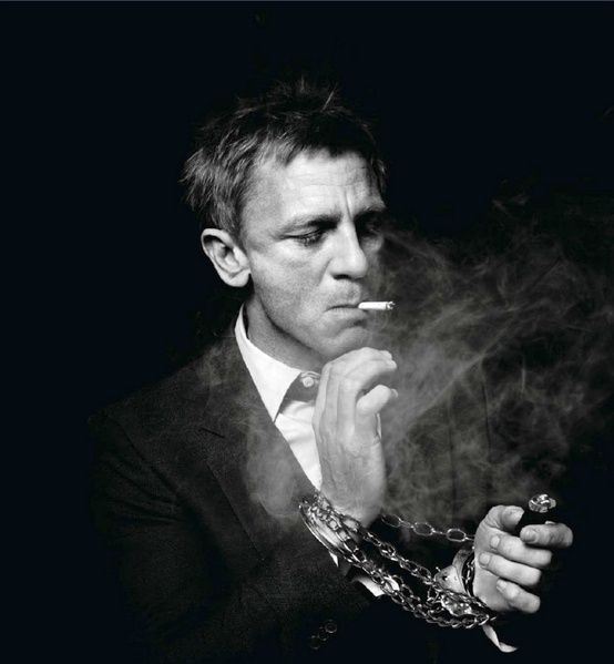 I do not support smoking but I support sexy pictures of Daniel :)
