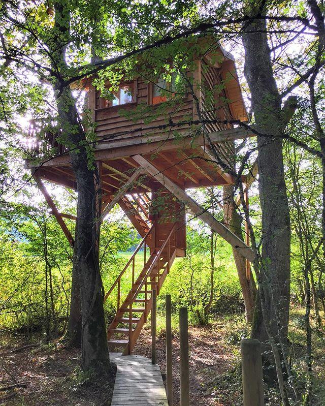 Dormir En Un árbol Una Experiencia única Que Puedes Disfrutar En Navarra By Esti Txu Instagram Garden Arch Outdoor Structures Outdoor