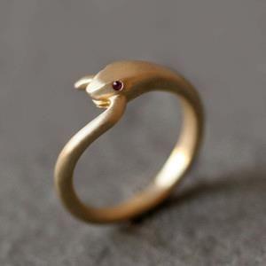 snake ring, classy design