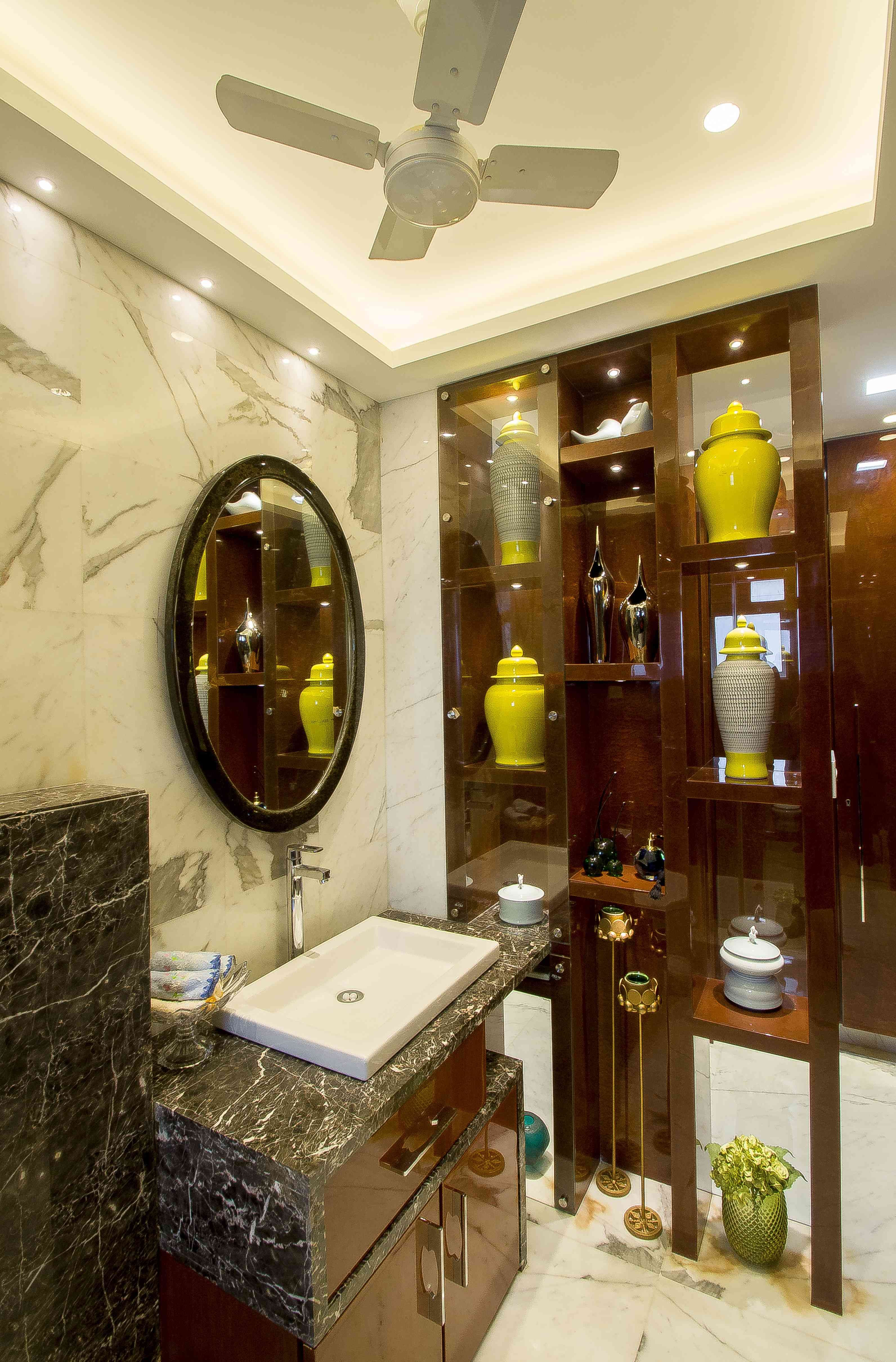 Good bathroom design starts with the basics. Love the decor idea of this small bathroom: Bipratip Dhar ...