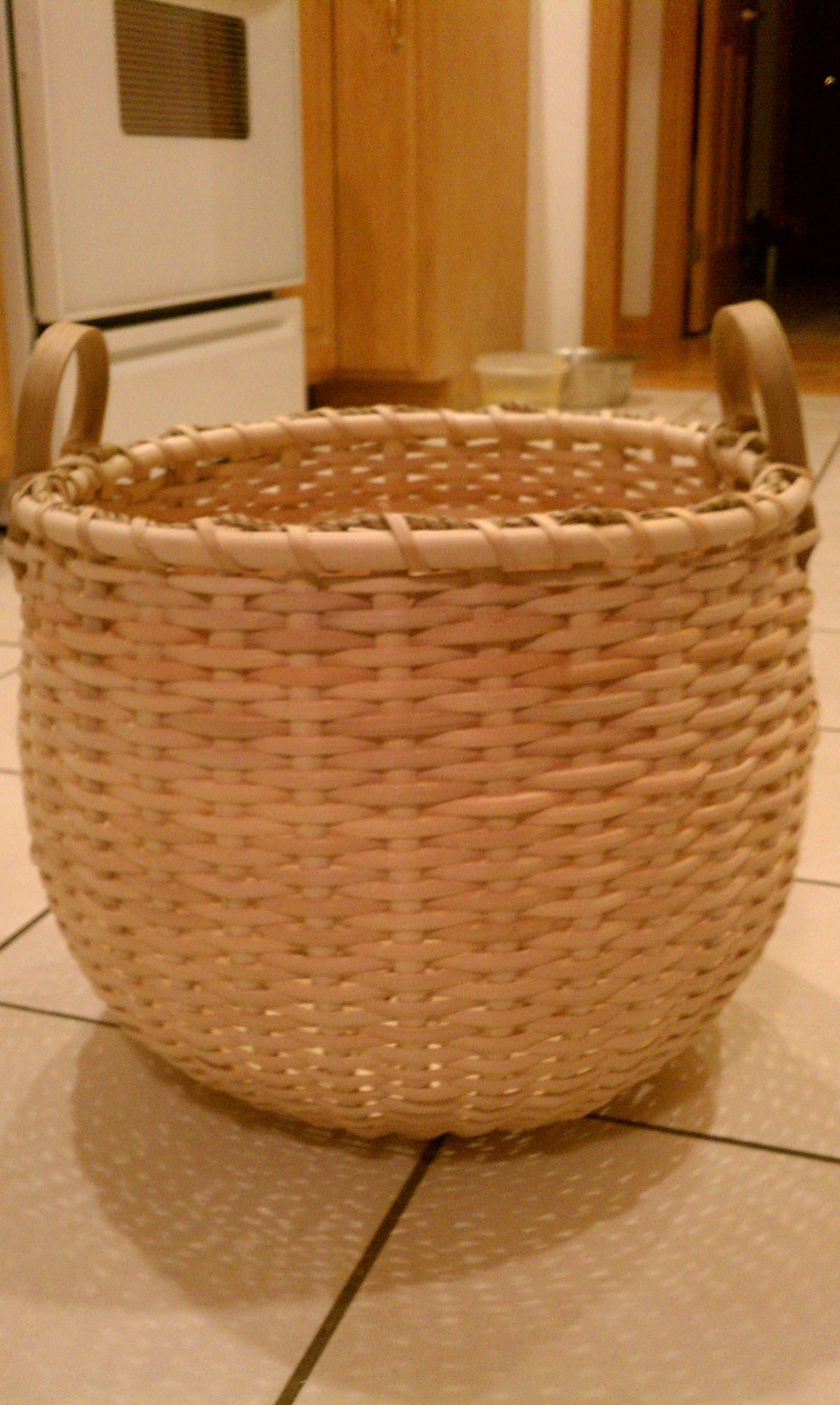 1 2 Bushel Basket Handmade By Me Would Love To Have This Basket It Is Beautiful D Basket Weaving Basket Handmade Baskets
