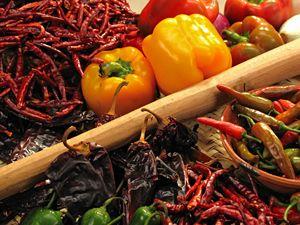 Especias de la cocina Oaxaqueña, chiles de árbol, chiles costeños, chile ancho, chile morron, chile canario, chiles jalapeños, etc.