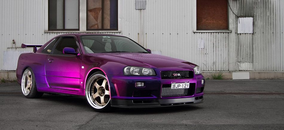 Purple would love a car this color ) Nissan skyline