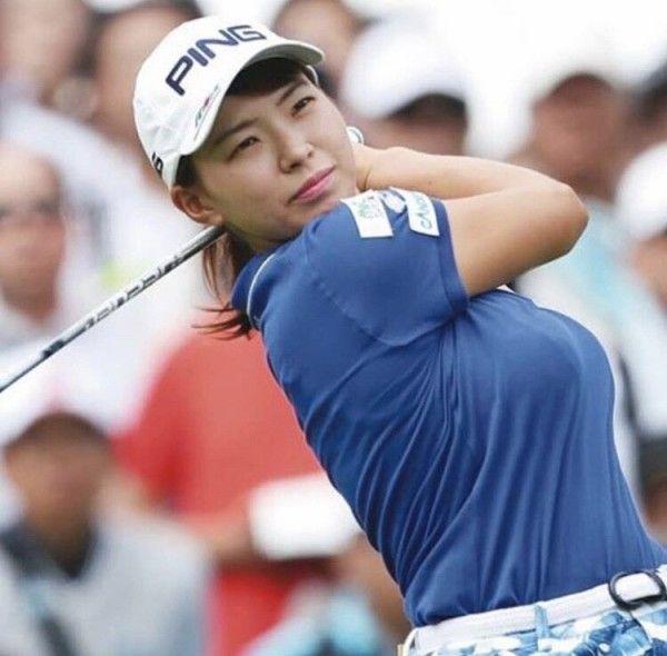 【画像】プロゴルファーの渋野日向子さん(21)、ついに水着姿を解禁wwwwwwwwww