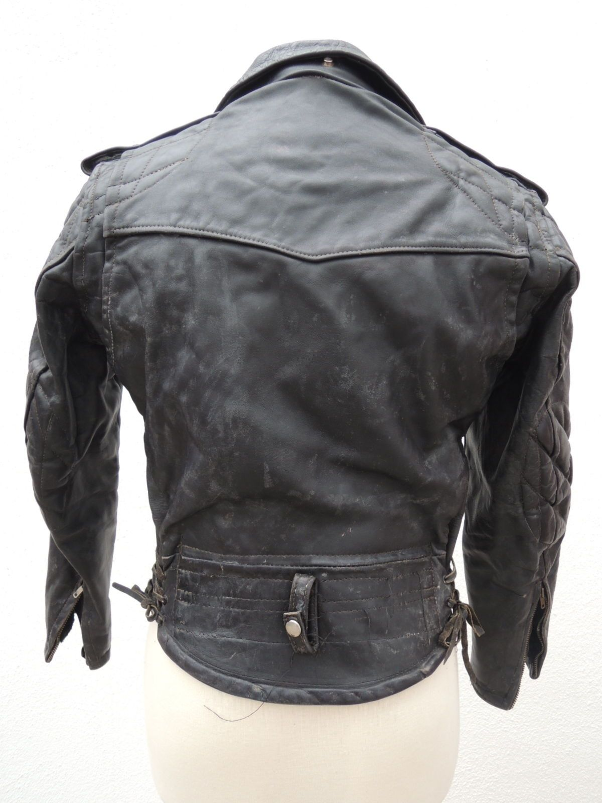 Cal Leather Lapd Padded Jacket Here S The Back Wow What An Epic Design Vintage Leather Jacket Leather Leather Jacket [ 1600 x 1200 Pixel ]