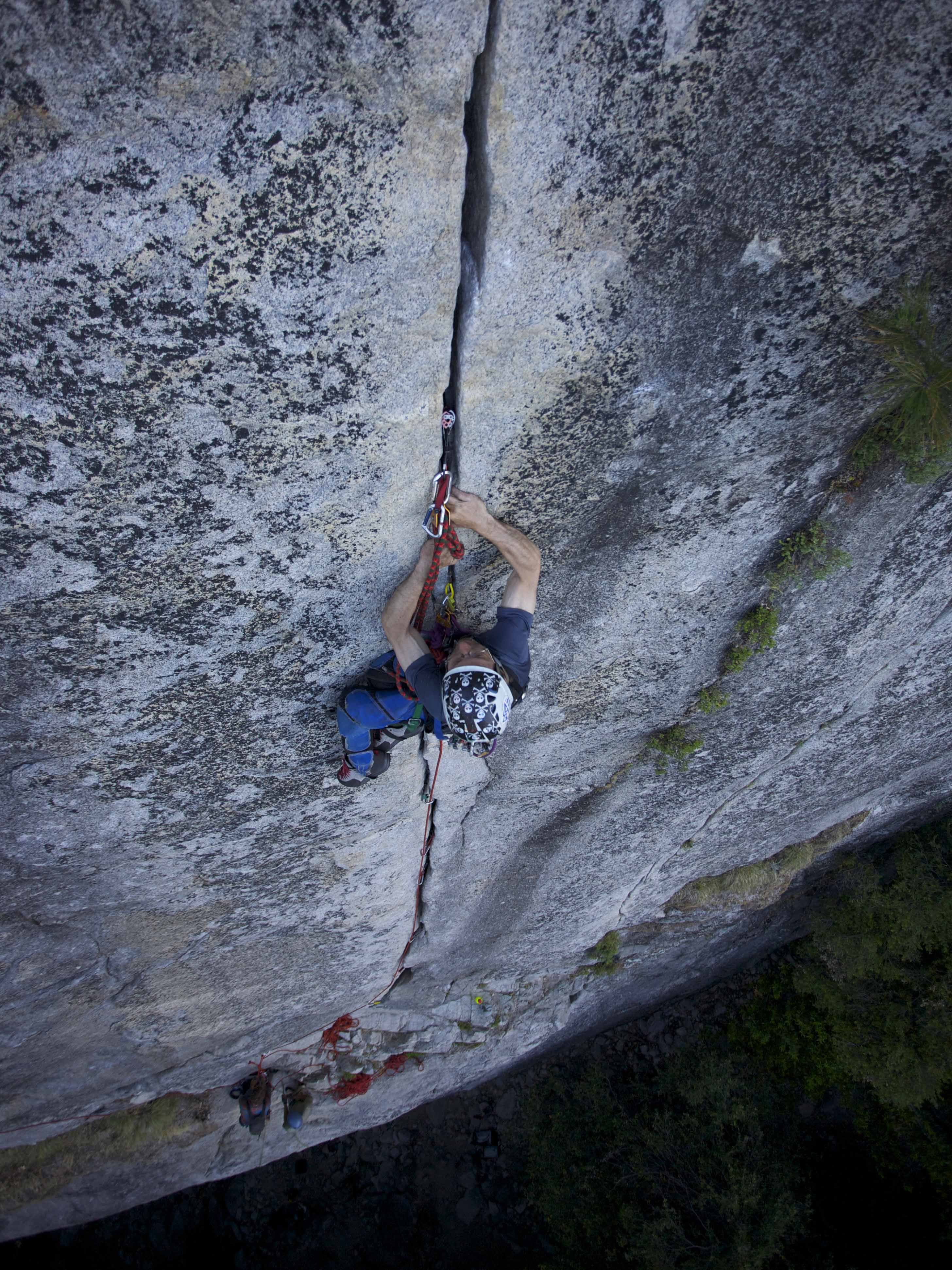 From A Wheelchair To The Sharp End Story Of The First Ever - Two climbers scale 3000ft hardest route world