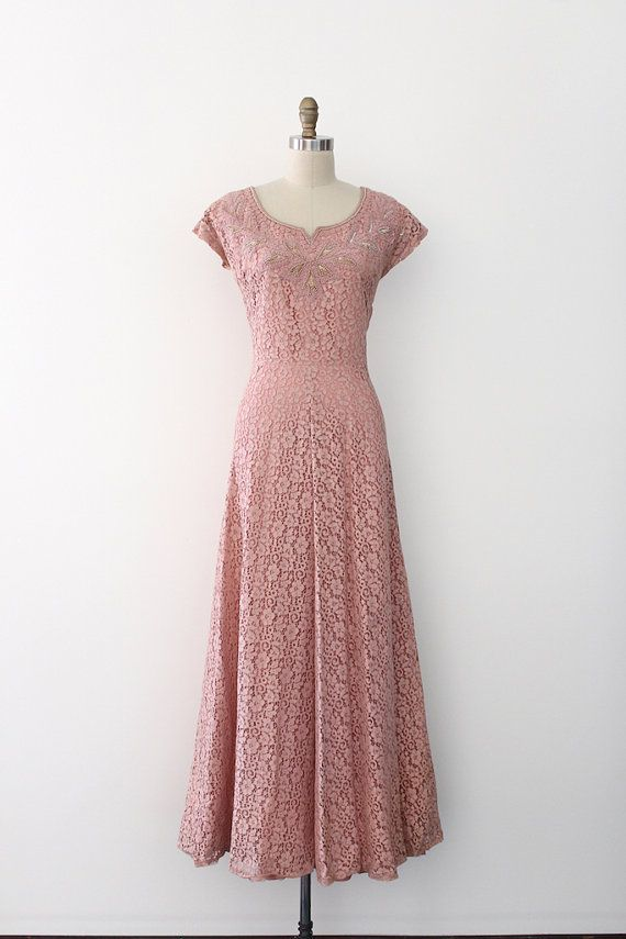 Vintage 1940s gown // 40s pink lace evening gown | Pinterest | Ayer ...