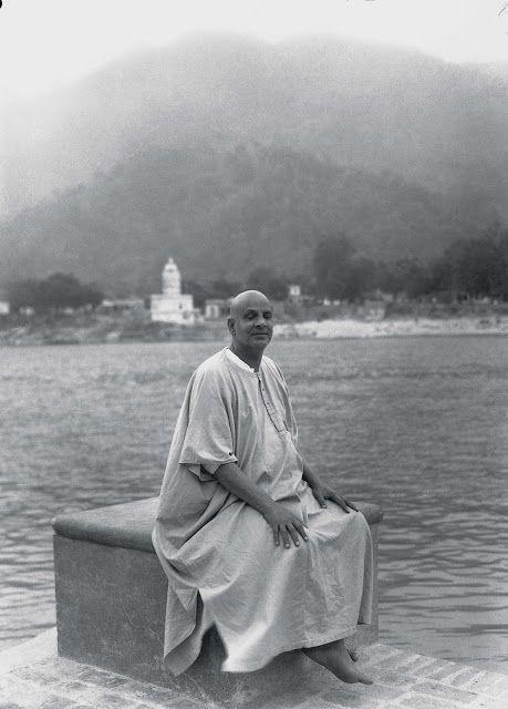 Bharatham : Uthishtatha-Jagratha : (wef-05/11/2012. ): Sivananda's Personality - 4.