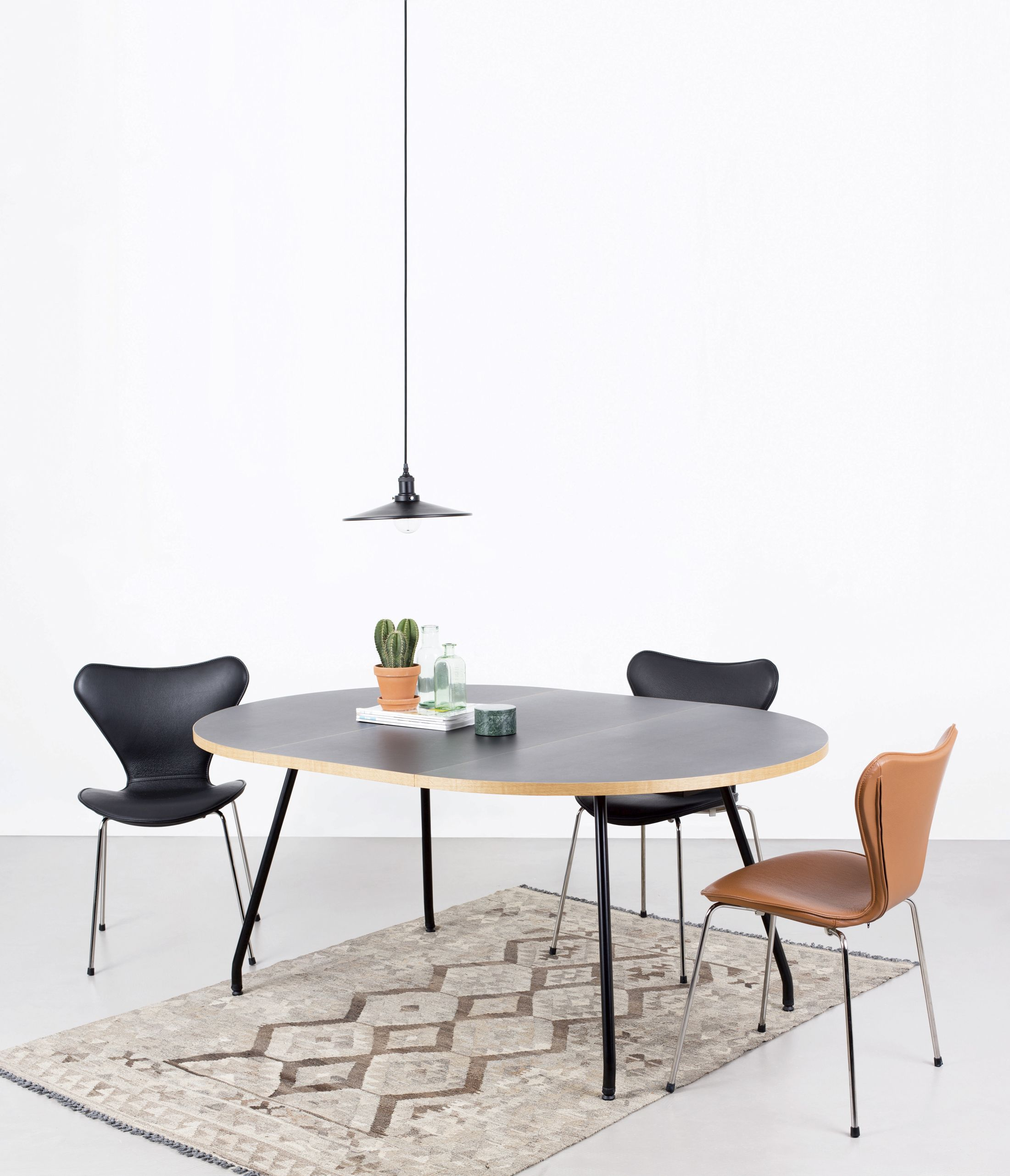 Full Cover At Bent Hansen We Make Full Covers In Leather Or Fabric For Arne Jacobsen S 3107 Chair A Simple Way Beautiful Chair Coffee Table Furniture Making