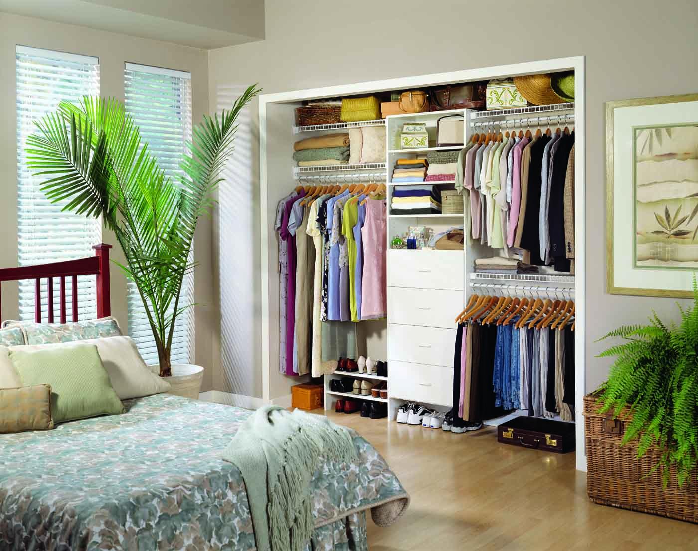 Creative Way To Customize Your Closet Space!