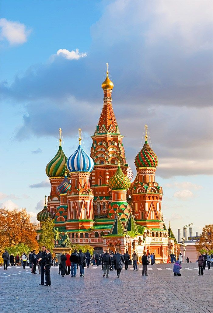 St. Basil's Cathedral (Moscow, Russia) Click through to see 15 more fairy tale travel destinations!