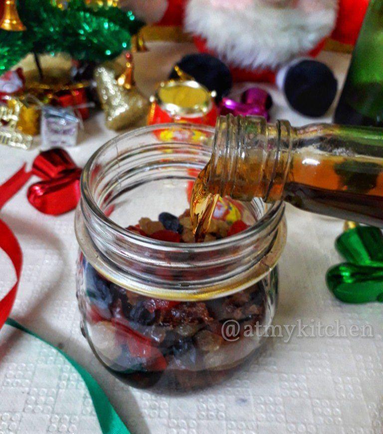 Eggless Christmas Cake Recipe / Rich Fruit Cake / Rum