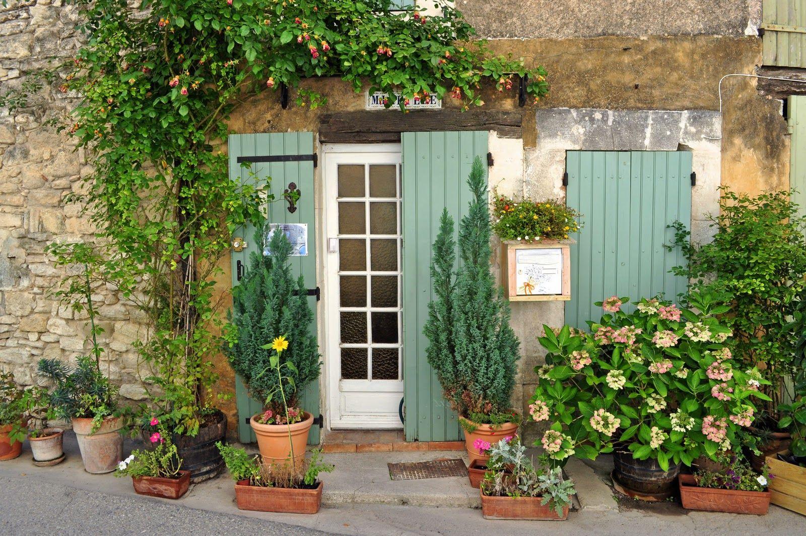 Saignon Pretty Village In The Luberon Frans Huisje