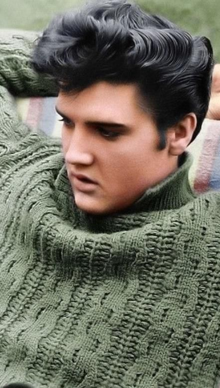 Elvis Presley Appears On The Ed Sullivan Show Rockabilly Hair Mens Hairstyles Pompadour Mens Hairstyles Thick Hair
