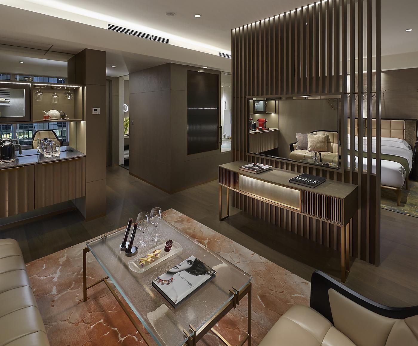 Luxury 5 Star Hotel Hong Kong The Landmark Mandarin Oriental Hotel Bedroom Design Luxurious Bedrooms Hotel Interior Design