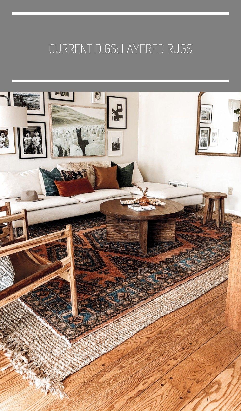Tapis En Couches De Salon Couches Rug On Carpet Living Room Salon Tapis Layered Rugs Bohemian Bedroom In 2020 Layered Rugs Rugs On Carpet Rugs