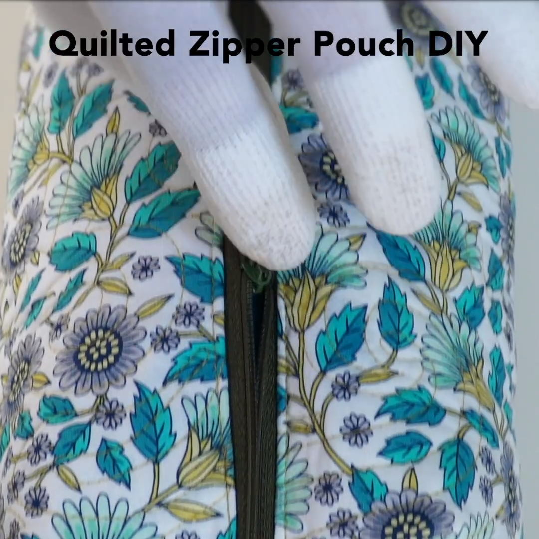 DIY: Quilted Zipper Pouch  DIY Quilted Zipper Pouch: This quilted zipper pouch can be made in a jif