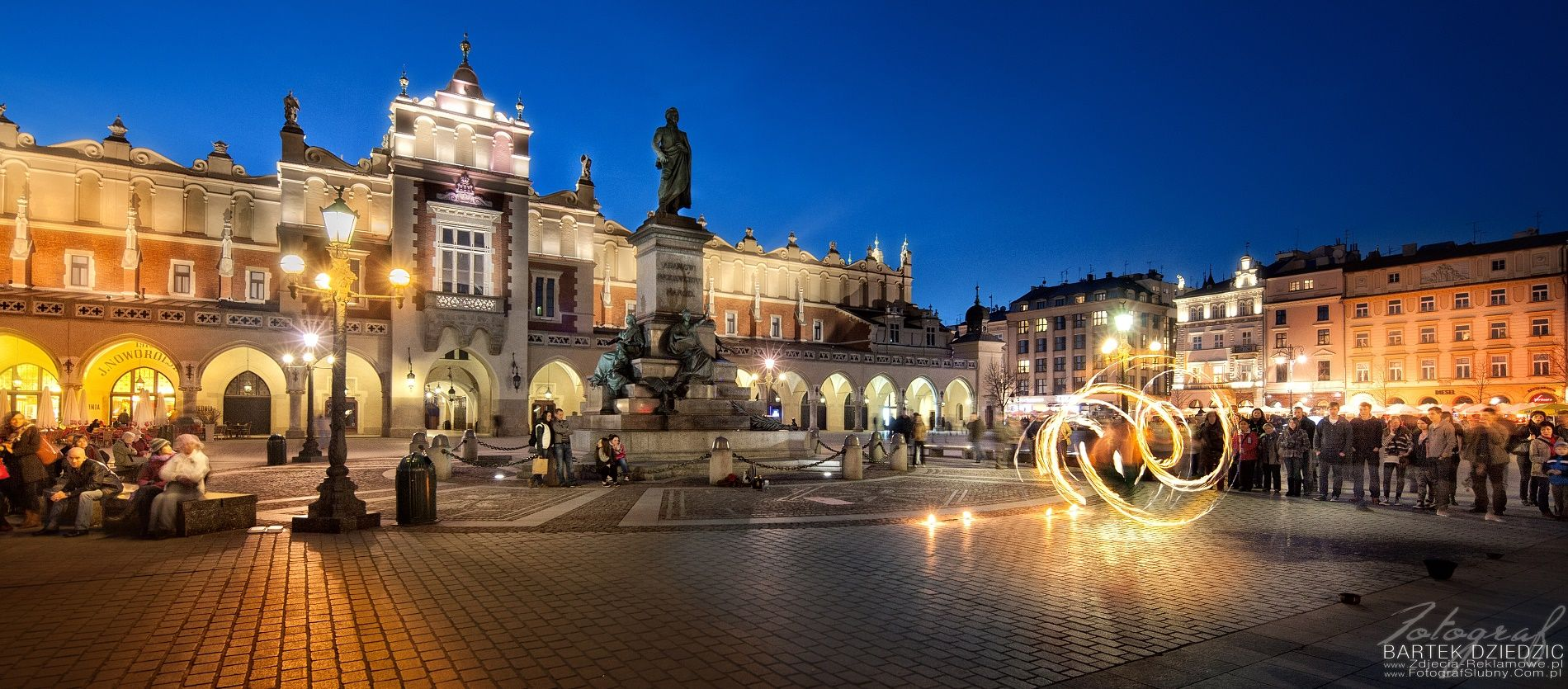 Night in Cracow  krakow, cracow, krakov, poland, church, market square, places, tourism, spire, europe #cracow #poland #fotograf #event