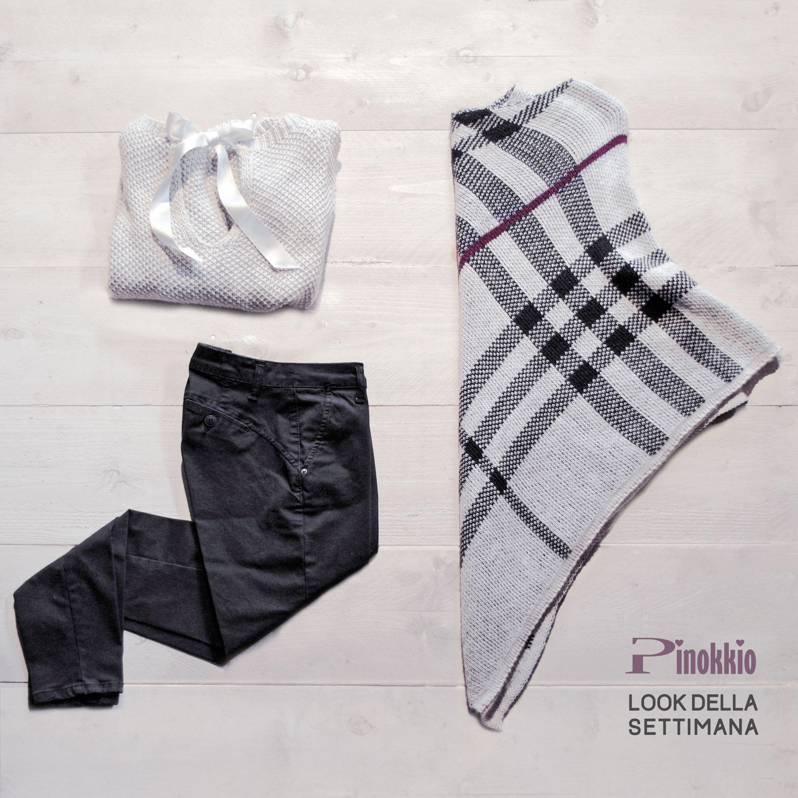 Maglioncino con fiocco in raso sulla schiena, poncio in fantasia scozzese, pantalone nero pushup