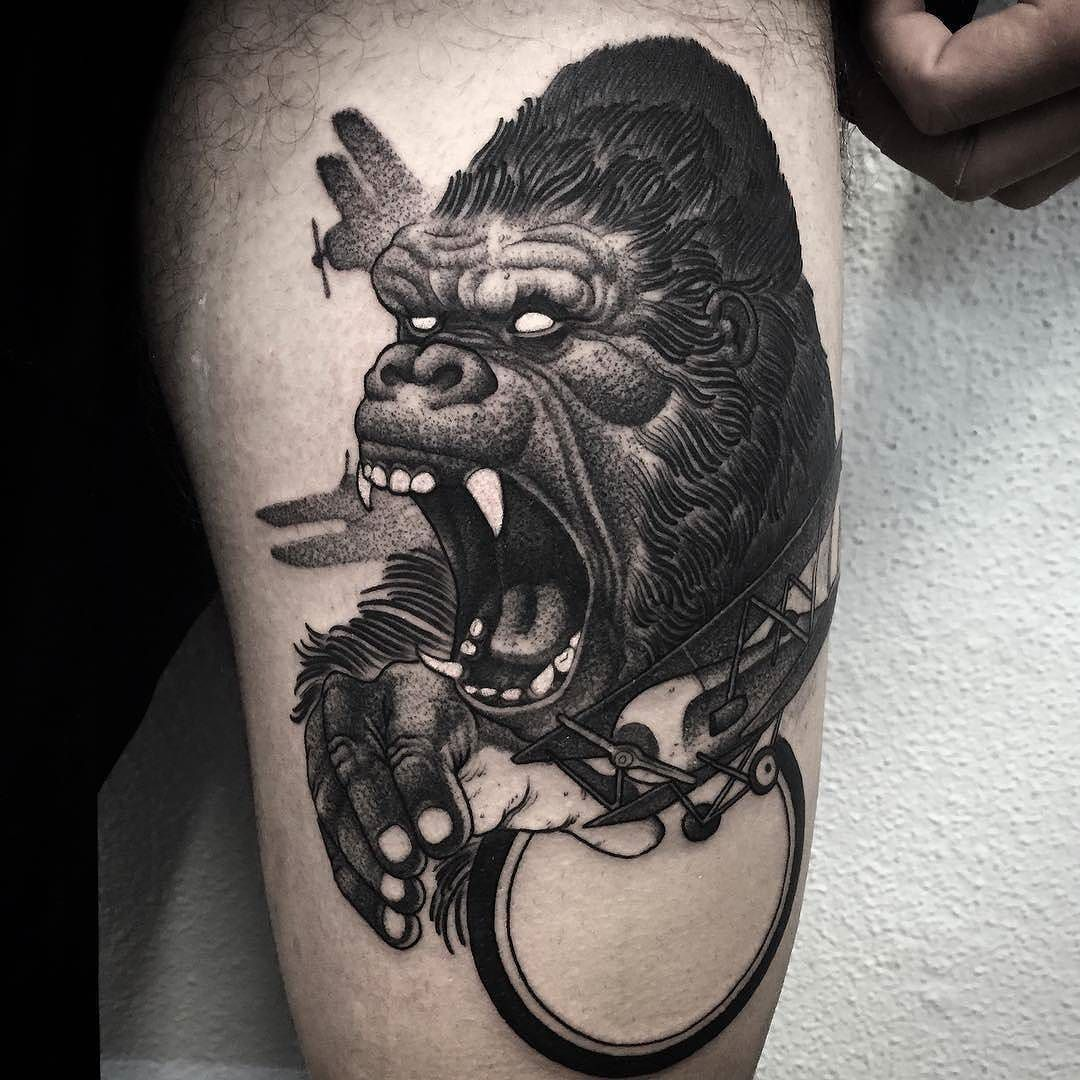 gorilla tattoo by el uf at ondo tattoo in barcelona spain el uf eluf ondotattoo barcelona. Black Bedroom Furniture Sets. Home Design Ideas