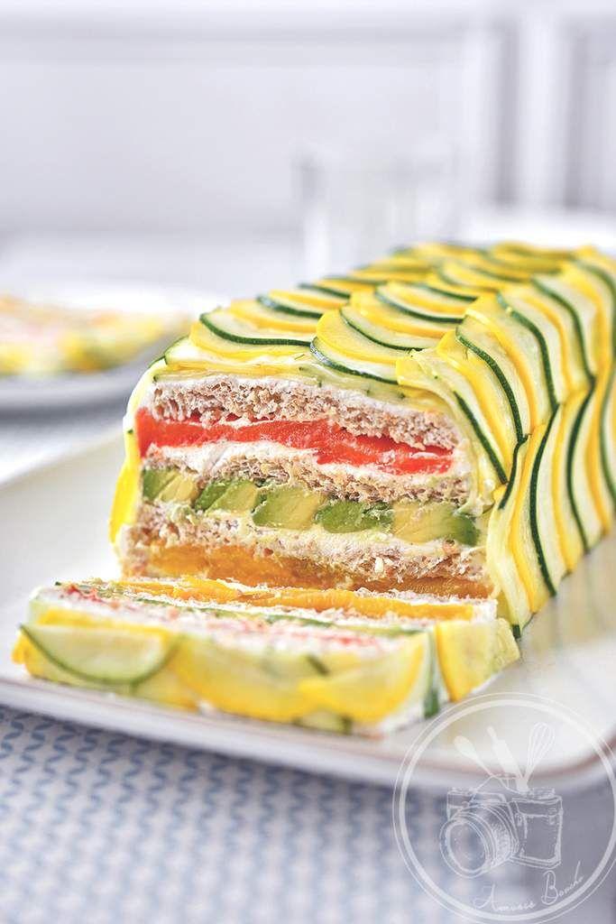 Sandwich cake frais chèvre, courgette, thon, tomate, avocat, poivron