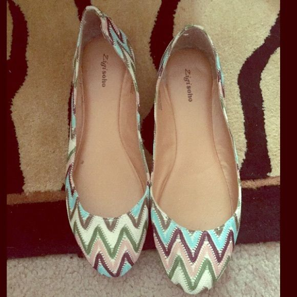 8596f4b37829 Zigi Soho zig zag flats size 8.5 Pink blue cream and green colors. Zigi  Soho Shoes Flats   Loafers