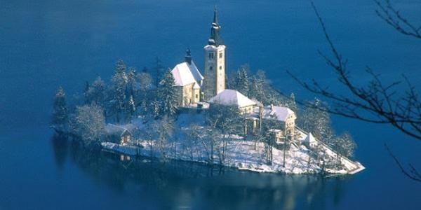 Perle delle Alpi: ecco i posti magici dove trascorrere il Natale