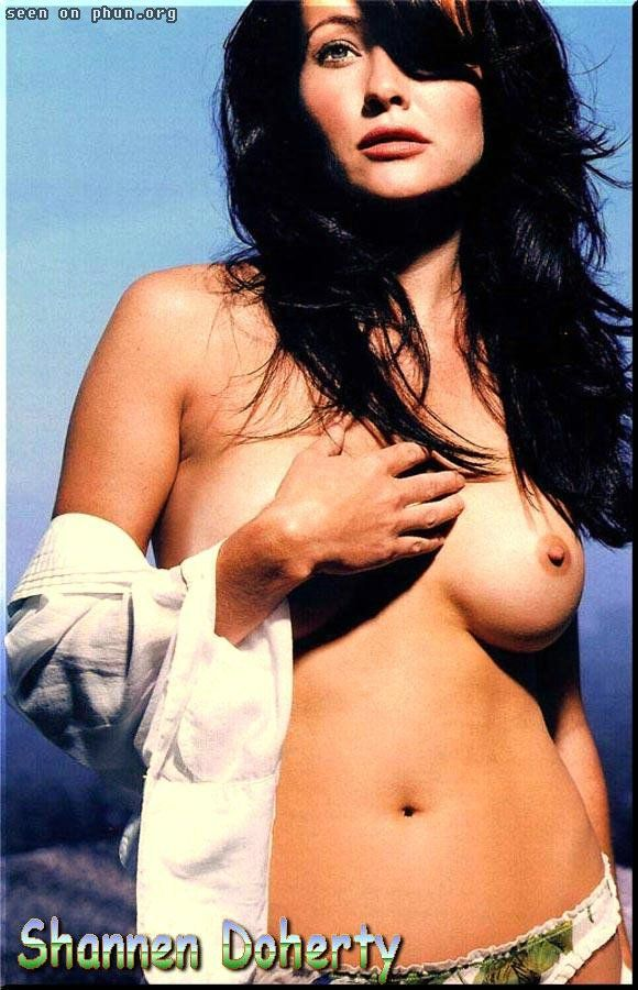 shannen-doherty-real-nudes-sucking-her-fat-black-pussy