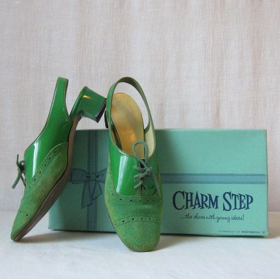 Mod Shoes / Lime Green Shoes / Sixties Shoes / Kelly Green Shoes / Size 5.5 M  by ultravioletvintage