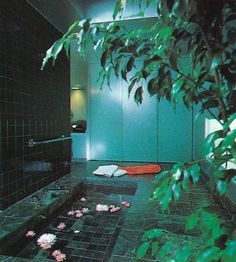'80s Bathrooms So Good, We Hope No One Ever Remode
