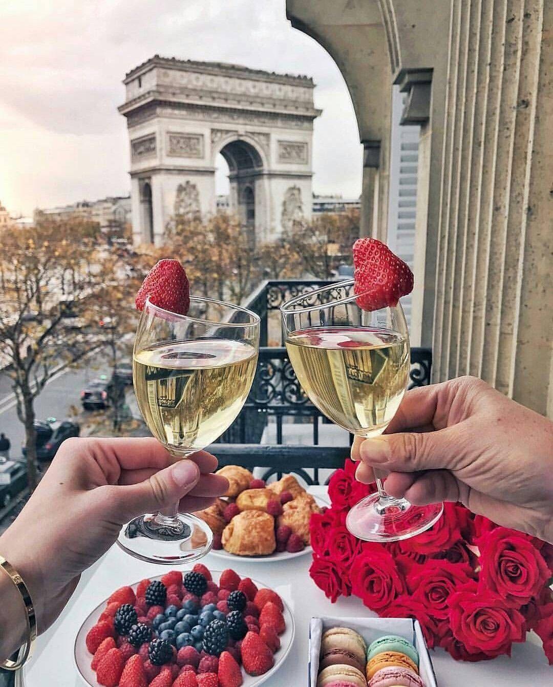 Epingle Par Soficrabbe Sur Ngay Rảnh Idees Romantiques Decoration Romantique Etoile Paris