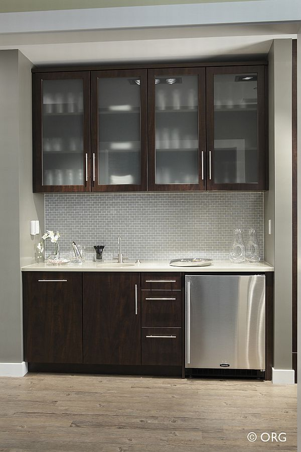 Superior Sleek And Modern Wet Bar Design.
