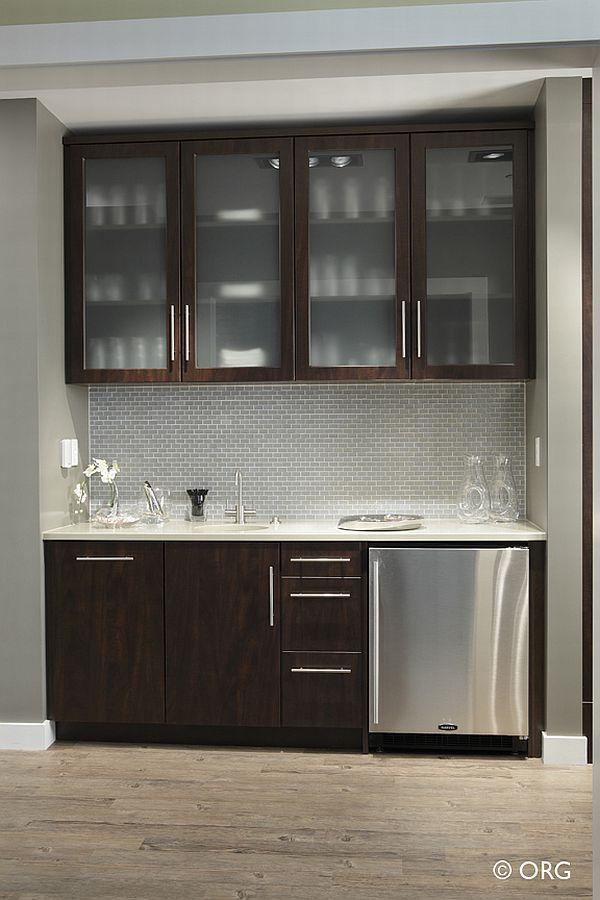 Pgallerybeveragebar 600 900 pixels decor ideas for Wet bar cabinet ideas