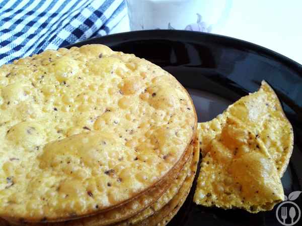 Crispy Besan Poori | How to make gram flour crispy poori ...