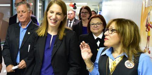 Secretaria de Salud federal llega a Loíza para hablar del zika...