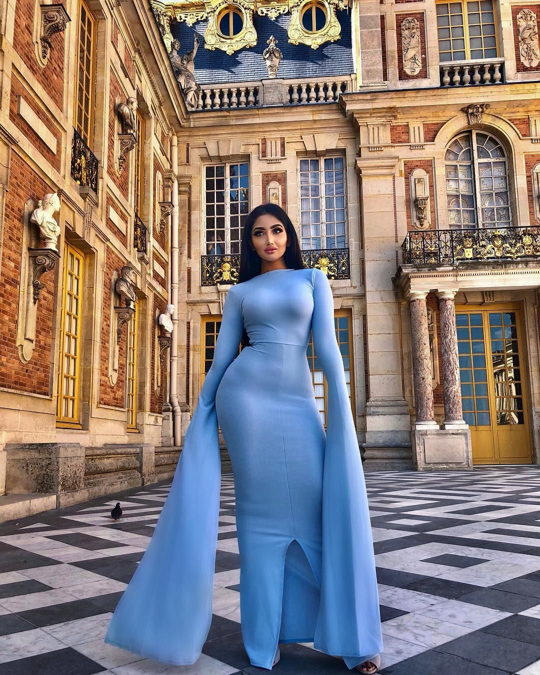 Walking into my ex's funeral like. 👸🏻 Fi Funeral outfit
