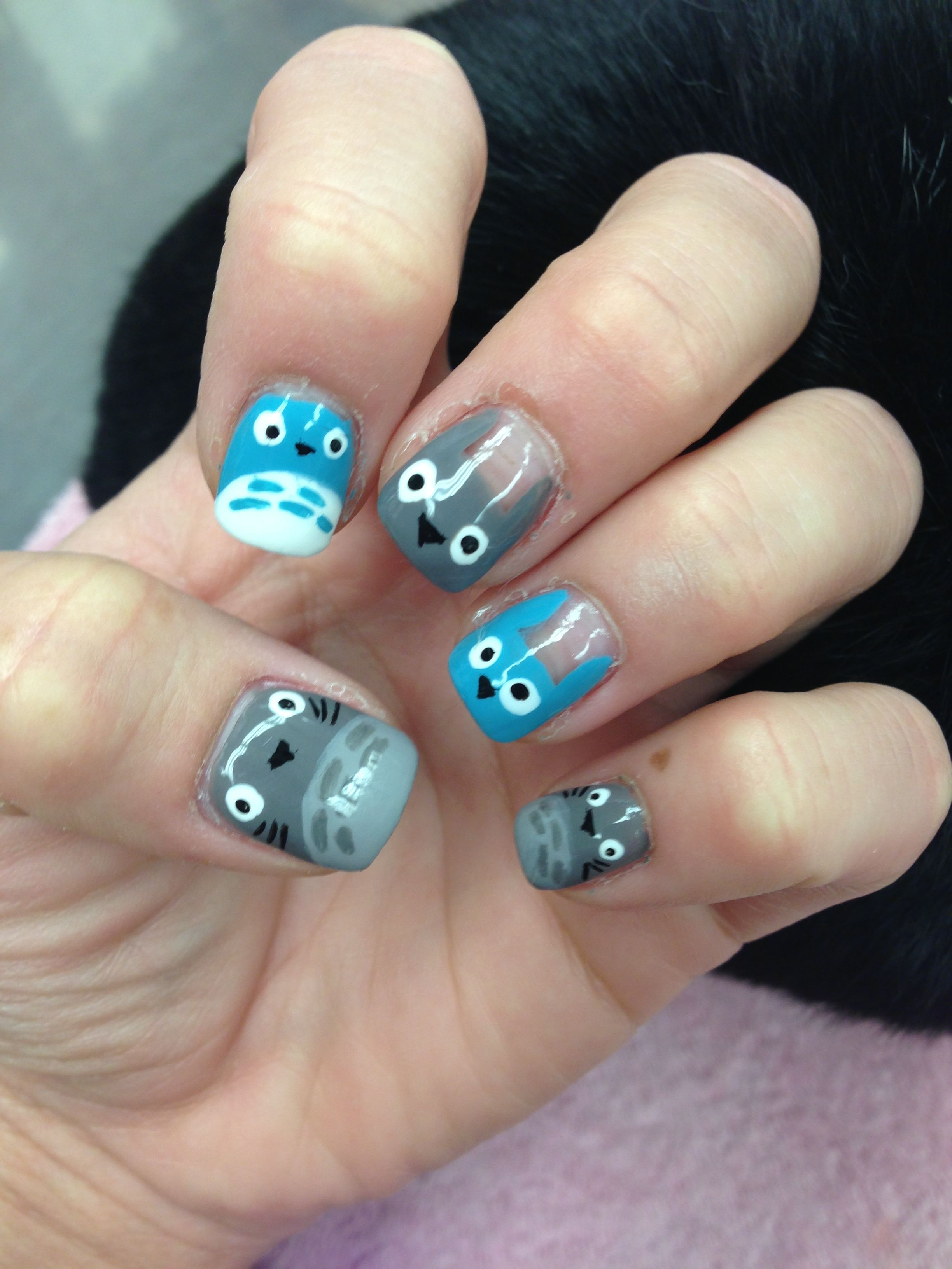 Totoro nail design!! Eileen must do this for meeeeee!! | crochet and ...