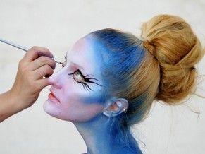 en el maquillaje artstico tanto corporal como en el rostro se utilizan pinturas naturales a base