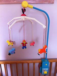 petites marionnettes celle qui retrouve et red couvre des jouets d 39 enfance vintage vintage. Black Bedroom Furniture Sets. Home Design Ideas