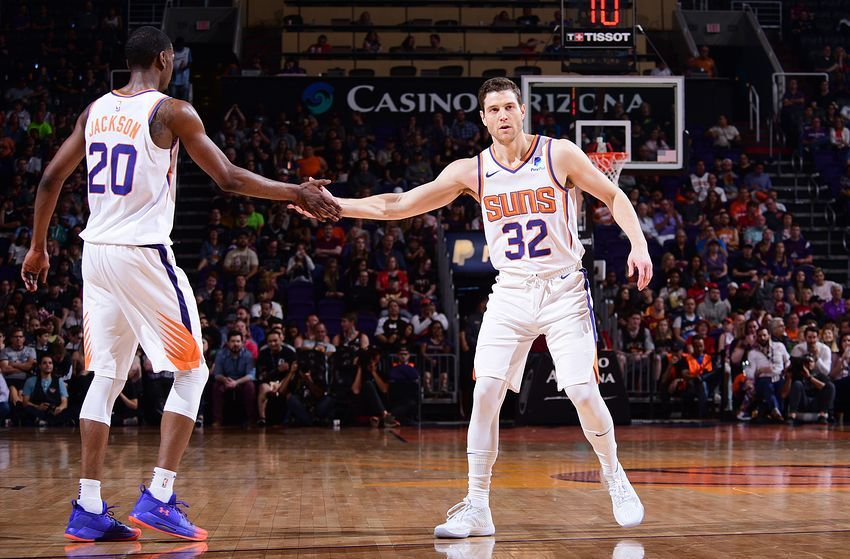 Los Angeles Lakers Five Low Profile Free Agents To Look At With Images Free Agent Los Angeles Lakers Lakers