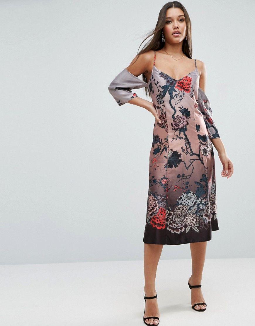 82efbea5e220 ASOS - Figurbetontes Kleid mit Schulteraussparung und winterlichem  Blumenmuster - Mehrfarbig Jetzt bestellen unter  https
