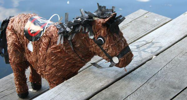 Pferde Piñata Kleines Pony Kleiner Kiel Kindergeburtstag