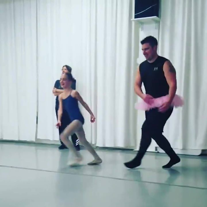 Daughters Dads With Their Doing Ballet