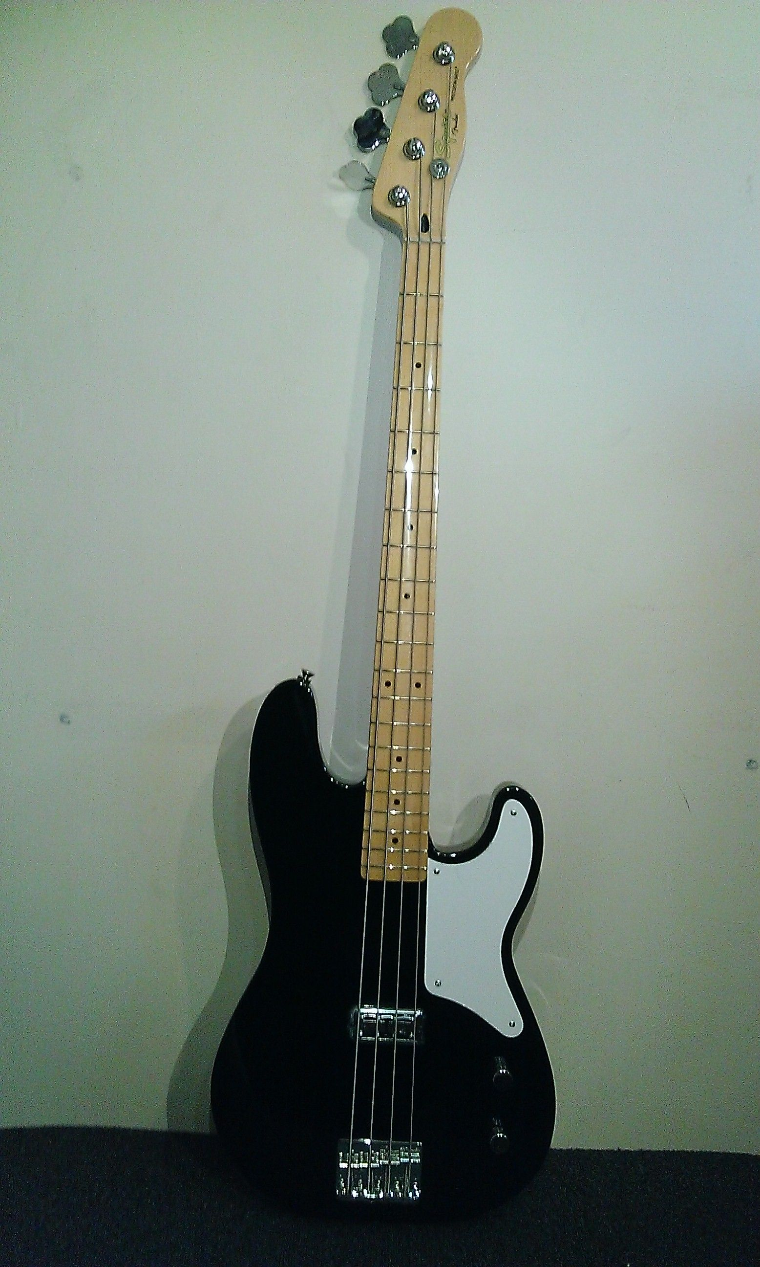Modified squier bass vintage s jazz