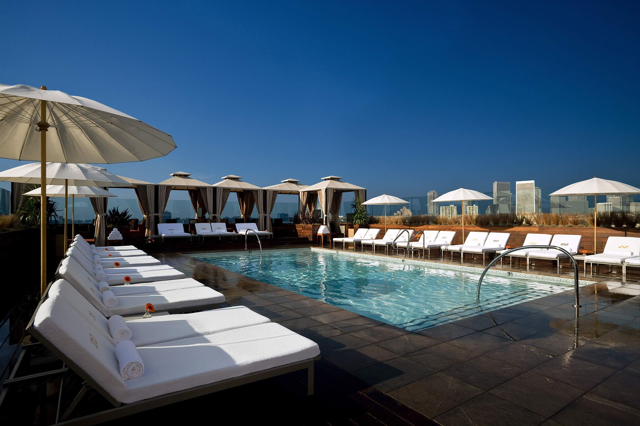 Beau Check Out LAu0027s Best Bars With A View, From Veniceu0027s Beachside Sunsets To  Rooftop Bars