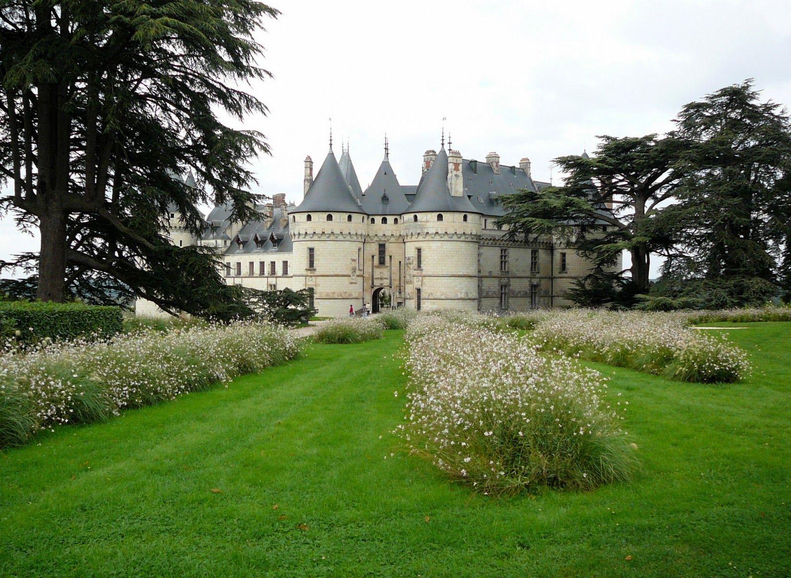 Castillo con amplio Jardín