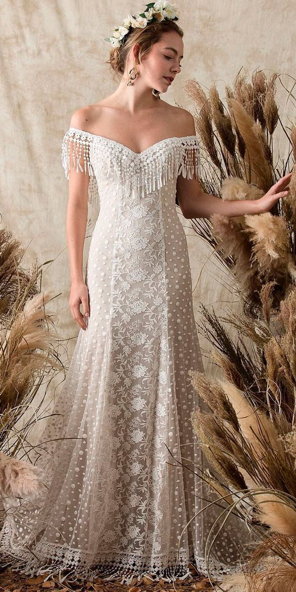 27 Bohemian Wedding Dress Ideas You Are Looking For #romanticlace
