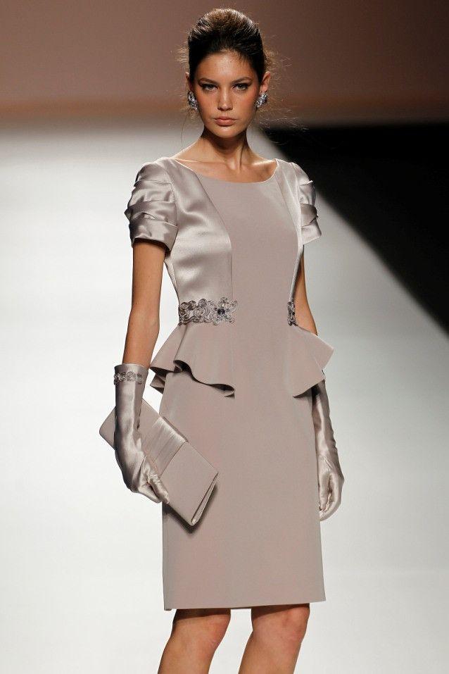 4fcfc2a42 Vestido de madrina corto de Teresa Ripoll modelo 3187 by Teresa Ripoll