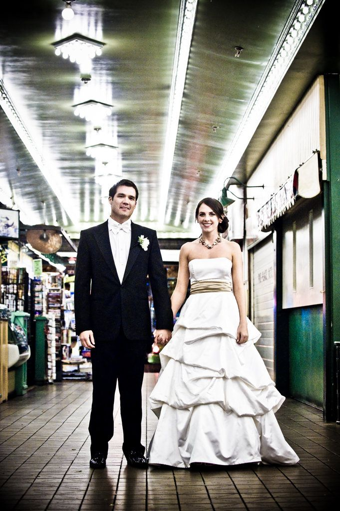 Marriage Market: The bride and groom made a stop at Seattle's Pike Place Market. #TresWedding