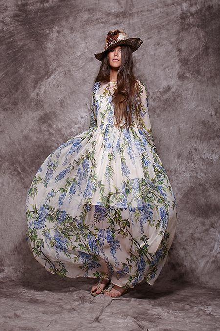 Vestido largo crudo con estampado de lilas - 233,90€ : Zaitegui - Moda y ropa de marca para señora en Encartaciones